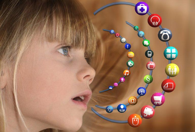 Comportamiento menores redes sociales